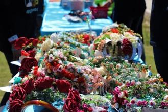 أكاليل الورد المصنوعة يدويا